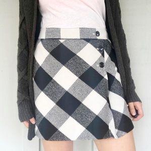 💛 4/$20 Loft button front skirt